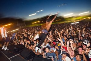 flatbush zombies stage dive