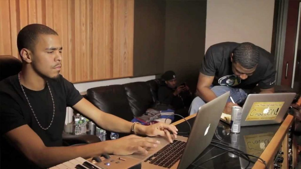 j cole producing a beat