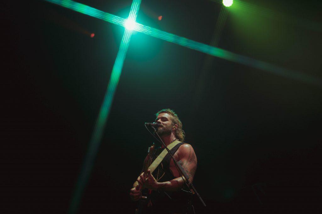 xavier rudd guitar