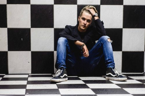 James Deacon, Floor, Checkered, Photo, HERO aka Rich