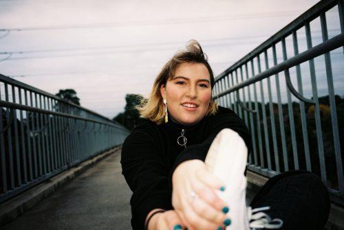 Emma Volard, Femininity